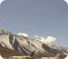 Mammoth Yosemite Airport webcam