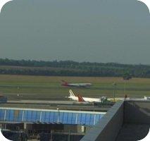 Flughafen Vienna Schwecat Airport webcam