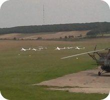 Aerodrome de Pont-sur-Yonne Airport webcam